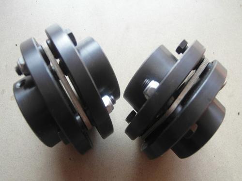 橡胶块截面形状尺寸对联轴器刚度特性的影响